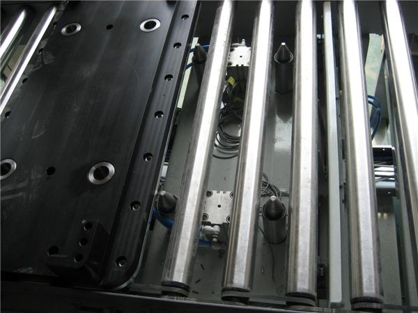 箱式输送定位装置